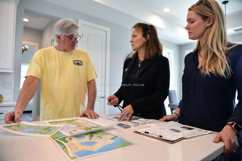 A prospective home owner and seller agent discuss a new home.<br /> Babcock Ranch is America's first solar powered eco-town. 170 miles NW of Miami, near Fort Myers it is estimated to grow to  population of 50,000 people. Like a small town it will have its own schools offices and medical facilities as well as shops and restaurants.<br /> Syd Kitson, the founder was a former NFL football player turned property developer.