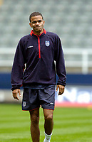 Fotball<br /> England trener før kampen mot Ukraina<br /> 17.08.2004<br /> Foto: SBI/Digitalsport<br /> NORWAY ONLY<br /> <br /> England's Kieron Dyer pulls a funny face, amidst rumours of a falling out with club manager Sir Bobby Robson