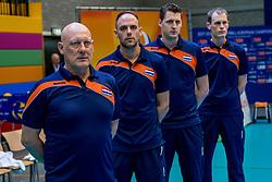 02-04-2017 NED:  CEV U18 Europees Kampioenschap vrouwen dag 2, Arnhem<br /> Nederland - Rusland 3-0 / Bondscoach Julien van de Vyver is heel tevreden over hoe zijn meiden het verlies gisteren tegen Bulgarije hebben omgezet in lef en durf tegen Rusland.