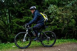 13-09-2017 SUI: BvdGF Tour du Mont Blanc day 5, Champex<br /> Deze etappe wordt volledig in Zwitserland verreden en bevat enkele mooie trails. We eindigen bergop waar er in Champex werd overnacht. Geert
