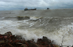 FUJIAN, Sept. 14, 2016 (Xinhua) -- Photo taken on Sept. 14, 2016 shows the gales and monster waves off the coast of Fuqing, southeast China's Fujian Province. China's National Marine Environmental Forecasting Center (NMEFC) on Wednesday upgraded its warning for ocean waves triggered by Typhoon Meranti to ''red,'' the highest of a four-color warning system. (Xinhua/Wei Peiquan) (zyd) (Credit Image: © Wei Peiquan/Xinhua via ZUMA Wire)