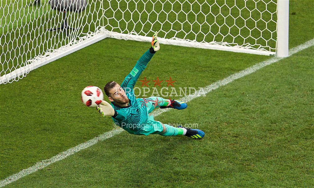 MOSCOW, RUSSIA - Sunday, July 1, 2018: Spain's goalkeeper David De Gea looks on as he concedes the first penalty of the shoot-out against Russia during the FIFA World Cup Russia 2018 Round of 16 match between Spain and Russia at the Luzhniki Stadium. Russia won 4-3 on penalties after a 1-1 draw. (Pic by David Rawcliffe/Propaganda)