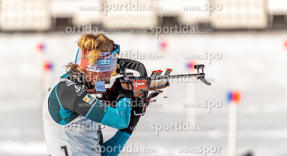 19.02.2017, Biathlonarena, Hochfilzen, AUT, IBU Weltmeisterschaften Biathlon, Hochfilzen 2017, Massenstart Damen, im Bild Marie Dorin Habert (FRA) // Marie Dorin Habert of France during Womens Masstart of the IBU Biathlon World Championships at the Biathlonarena in Hochfilzen, Austria on 2017/02/19. EXPA Pictures © 2017, PhotoCredit: EXPA/ JFK