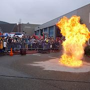 Huizerdag 2001, open dag Brandweer, demonstratie vlam in de pan
