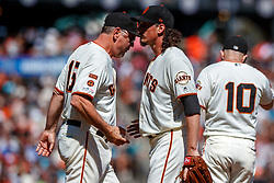 SAN FRANCISCO, CA - SEPTEMBER 01: Jeff Samardzija #29 of the San Francisco Giants is relieved by manager Bruce Bochy #15 during the sixth inning against the San Diego Padres at Oracle Park on September 1, 2019 in San Francisco, California. The San Diego Padres defeated the San Francisco Giants 8-4. (Photo by Jason O. Watson/Getty Images) *** Local Caption *** Jeff Samardzija; Bruce Bochy