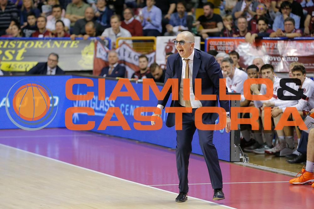 Walter De Raffaele<br /> Umana Reyer Venezia - Consultinvest Pesaro<br /> Lega Basket Serie A 2016/2017<br /> Venezia 05/03/2017<br /> Foto Ciamillo-Castoria