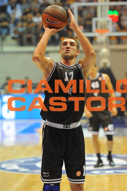 DESCRIZIONE : Desio Eurolega 2011-12 EA7 Bennet Cantu Bizkaia Bilbao Basket<br /> GIOCATORE : Axel Hervelle<br /> CATEGORIA : tiro<br /> SQUADRA : Bizkaia Bilbao Basket<br /> EVENTO : Eurolega 2011-2012<br /> GARA : Bennet Cantu Bizkaia Bilbao Basket<br /> DATA : 03/11/2011<br /> SPORT : Pallacanestro <br /> AUTORE : Agenzia Ciamillo-Castoria/GiulioCiamillo<br /> Galleria : Eurolega 2011-2012<br /> Fotonotizia : Desio Eurolega 2011-12 Bennet Cantu Bizkaia Bilbao Basket<br /> Predefinita :