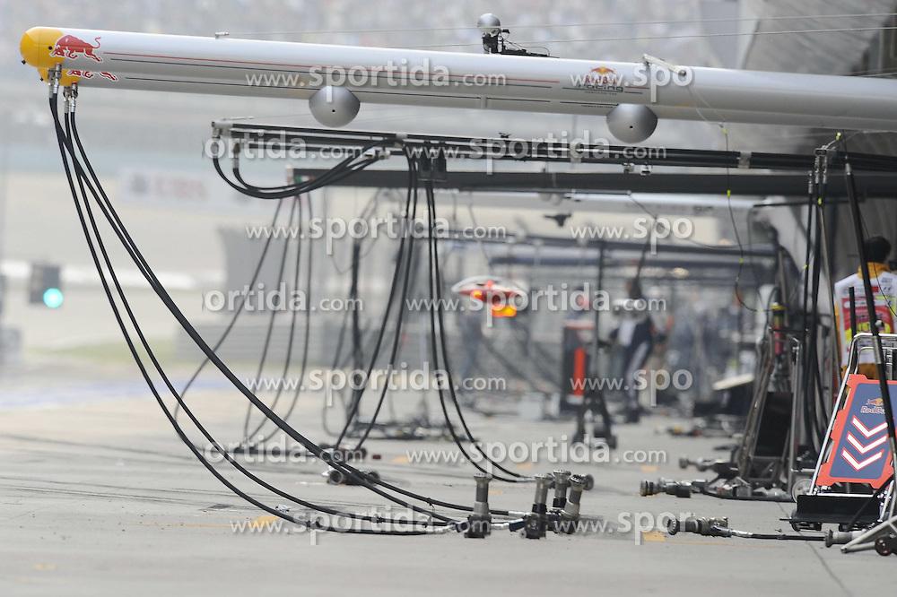 17.04.2011, Shanghai-International-Circuit, Schanghai, CHN, Großer Preis von China / Schanghai 2011, RACE 03 im Bild  Chinese Grand Prix Impressions   EXPA Pictures © 2011, PhotoCredit: EXPA/ nph/  Dieter Mathis (bitte als Fotovermerk angeben)       ****** out of GER / SWE / CRO  / BEL ******