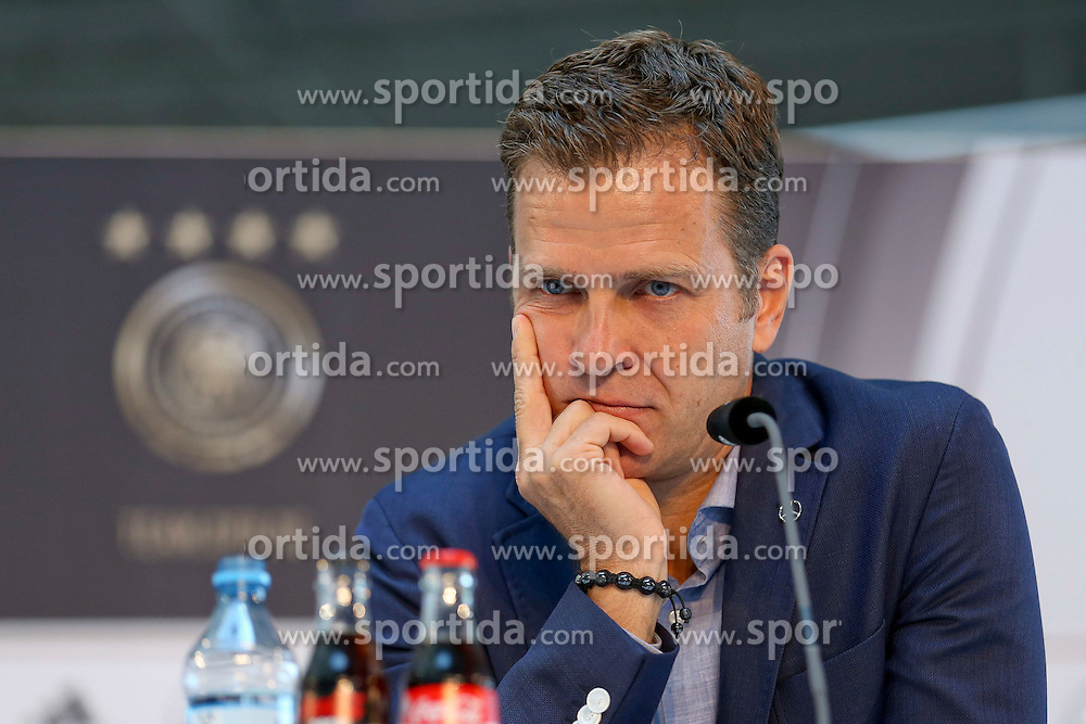 08.06.2015, Mercedes Benz Zenter, Koeln, GER, Nationalmannschaft, Pressekonferenz, im Bild Sportlicher Leiter Oliver Bierhoff nachdenklich mit dem Kopf auf die Haende gestuetzt // during a press conference of the german national football team at the Mercedes Benz Zenter in Koeln, Germany on 2015/06/08. EXPA Pictures &copy; 2015, PhotoCredit: EXPA/ Eibner-Pressefoto/ Sch&uuml;ler<br /> <br /> *****ATTENTION - OUT of GER*****