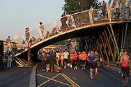France. Paris, Seine river quays, rive gauche people enjoying sunset / Berges de  Seine rive gauche , la foule a la recherche du soleil.