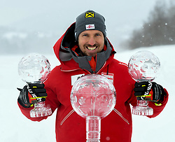 18.03.2018, Aare, SWE, FIS Weltcup Ski Alpin, Finale, Aare, Gesamt Weltcup, Herren, Siegerehrung, im Bild Marcel Hirscher 1. Platz Slalom Weltcup und Gesamt Weltcup 1. Platz, // Overall World Cup winner Slalom and Giant Slalom World Cup winner Marcel Hirscher of the AUSTRIA during the allover winner Ceremony for the men's Worlcup of FIS Ski Alpine World Cup finals in Aare, Sweden on 2018/03/18. EXPA Pictures © 2018, PhotoCredit: EXPA/ Erich Spiess
