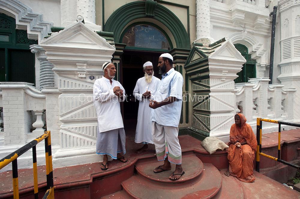 Mosque on New Moor Street, Colombo.