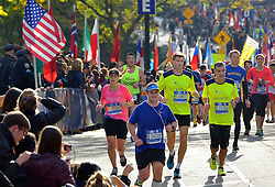 01-11-2015 USA: NYC Marathon We Run 2 Change Diabetes day 4, New York<br /> De dag van de marathon, 42 km en 195 meter door de straten van Staten Island, Brooklyn, Queens, The Bronx en Manhattan / Erik, Vicente