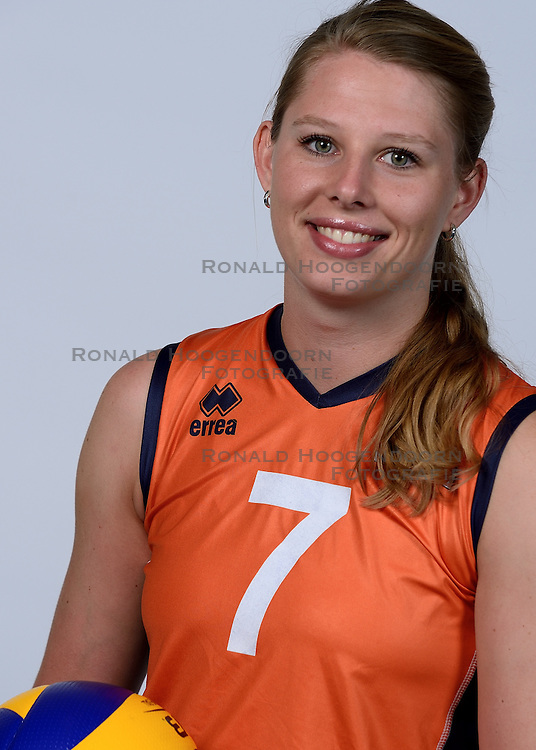 06-05-2014 NED: Selectie Nederlands zitvolleybal team vrouwen, Leersum<br /> In sporthal De Binder te Leersum werd het Nederlands team zitvolleybal seizoen 2014-2015 gepresenteerd / Sanne Bakker