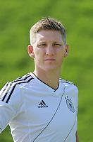FUSSBALL   INTERNATIONAL  SAISON 2011/2012    06.01.2012 Bastian SCHWEINSTEIGER (Deutschland) im neuen Nationaltrikot der EM 2012
