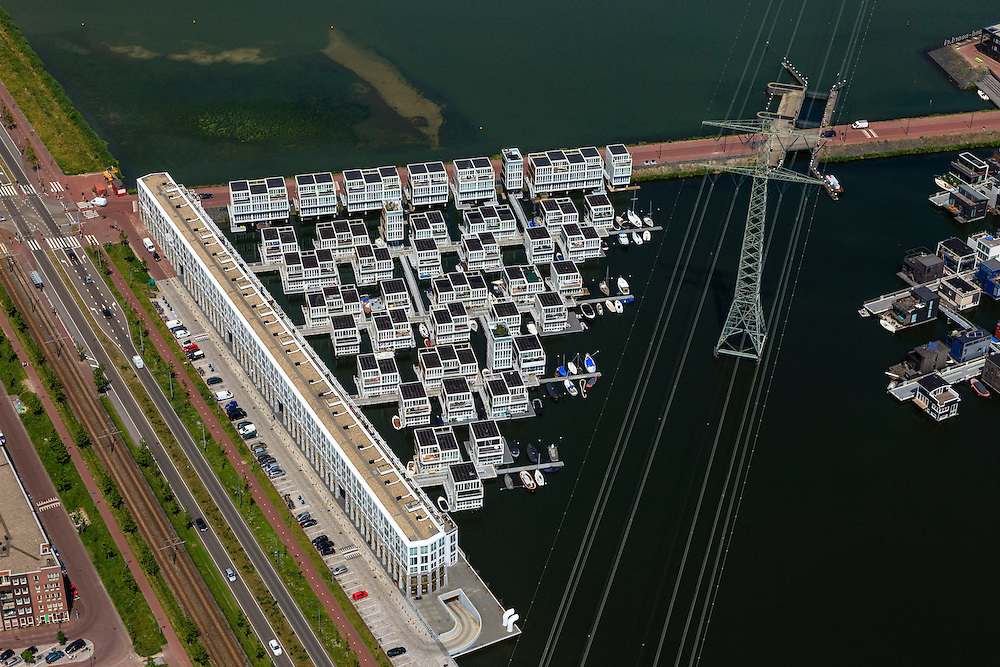 Nederland, Noord-Holland, Amsterdam, 14-06-2012; Steigereiland, IJburg, drijvende huizen aan de IJburglaan(l)/Haringbuisdijk..New constructed urban development, residential district IJburg , floating houses, detail..luchtfoto (toeslag), aerial photo (additional fee required).foto/photo Siebe Swart