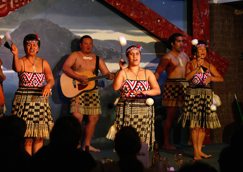A Maori concert party performing  to tourists at an International hotel in Rotorua, New Zealand, September 27, 2005. Credit:SNPA / Rob Tucker