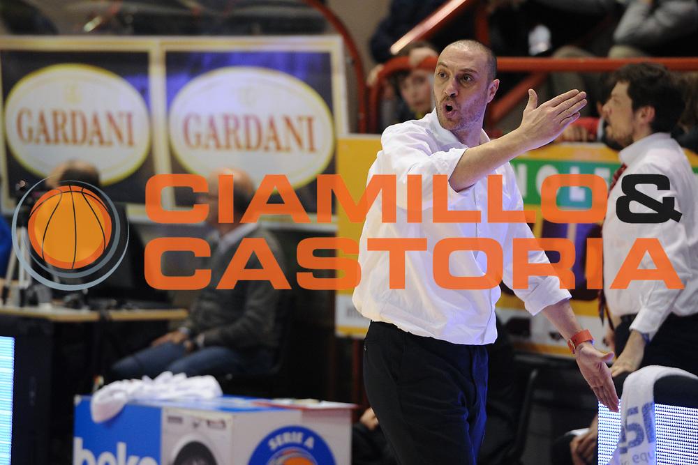 DESCRIZIONE : Pistoia Lega A 2015-16 Giorgio Tesi Group Pistoia Manital Torino<br /> GIOCATORE : Vincenzo Esposito<br /> CATEGORIA : coach allenatore delusione<br /> SQUADRA : Giorgio Tesi Group Pistoia<br /> EVENTO : Campionato Lega A 2015-2016<br /> GARA : Giorgio Tesi Group Pistoia Manital Torino<br /> DATA : 26/03/2016<br /> SPORT : Pallacanestro <br /> AUTORE : Agenzia Ciamillo-Castoria/G.Masi<br /> Galleria : Lega Basket A 2015-2016<br /> Fotonotizia : Pistoia Lega A 2015-16 Giorgio Tesi Group Pistoia Manital Torino
