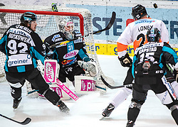 24.03.2019, Keine Sorgen Eisarena, Linz, AUT, EBEL, EHC Liwest Black Wings Linz vs Moser Medical Graz 99ers, Viertelfinale, 6. Spiel, im Bild v.l. Troy Rutkowski (EHC Liwest Black Wings Linz), Tormann David Kickert (EHC Liwest Black Wings Linz), Ty Loney (Moser Medical Graz 99ers), Kevin Kapstad (EHC Liwest Black Wings Linz) // during the Erste Bank Icehockey 6th quarterfinal match between EHC Liwest Black Wings Linz and Moser Medical Graz 99ers at the Keine Sorgen Eisarena in Linz, Austria on 2019/03/24. EXPA Pictures © 2019, PhotoCredit: EXPA/ Reinhard Eisenbauer