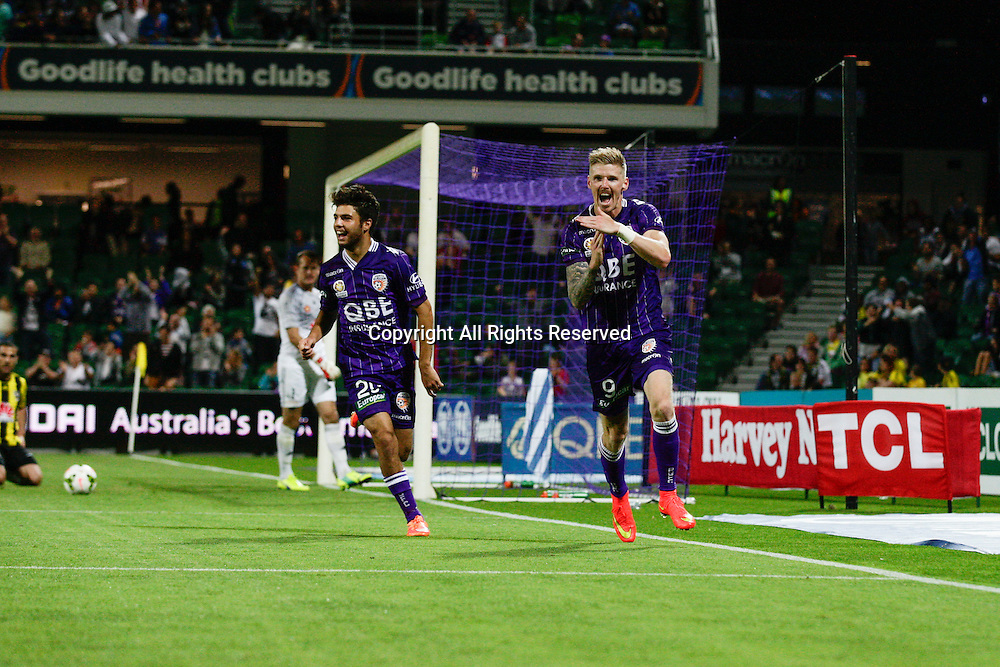 21.11.2014 Perth, Australia. Hyundai A League round 7, Perth Glory versus Wellington Phoenix. Andrew Keogh and Daniel De Silva celebrate after Keogh scored Glory's second goal.