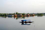 Dal Lake, Srinagar, Kashmir, Northern India 2009-07-10.<br />