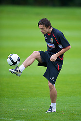 CARDIFF, WALES - Friday, September 5, 2008: Wales' captain Simon Davies during training at Vale of Glamorgan Hotel ahead of the second 2010 FIFA World Cup South Africa Qualifying Group 4 match against Russia. (Photo by David Rawcliffe/Propaganda)