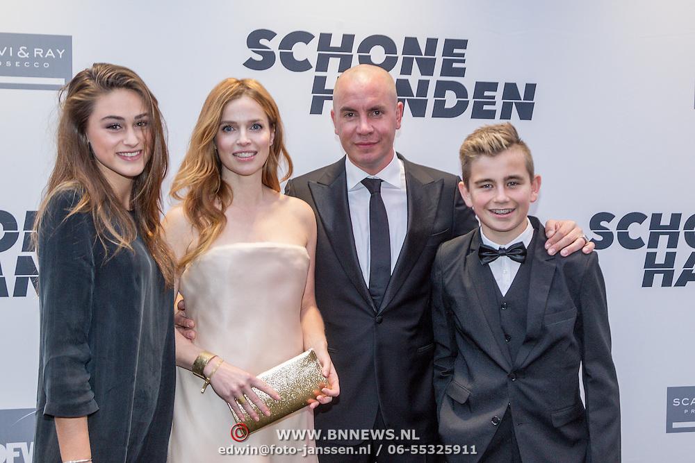 NLD/Amsterdam/20150907 - Premiere Schone Handen, cast, Jeroen van koningsbrugge, Thekla Reuten, Bente fokkens, Nino den Brave,