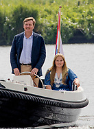 Warmond, 07-07-2017 <br /> <br /> <br /> Photo session with King Willem-Alexander and Queen Maxima and their daughters Princess Amalia, Princess Alexia and Princess Ariane at the Kagerplassen.<br /> <br /> COPYRIGHT: ROYALPORTRAITS EUROPE/ BERNARD RUEBSAMEN