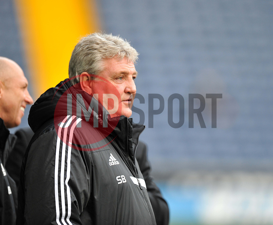Hull City Manager,Steve Bruce - Photo mandatory by-line: Alex James/JMP - Tel: Mobile: 07966 386802 21/12/2013 - SPORT - FOOTBALL - The Hawthorns - West Bromwich - West Brom v Hull City - Barclays Premier League