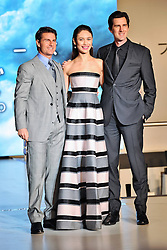 59619351 .Olga Kurylenko, Tom Cruise and Joseph Kosinski at the Japan Premiere from Oblivion in the Roppongi Hills Arena, Tokyo, Japan, May 8, 2013. Photo by:  imago / i-Images.UK ONLY