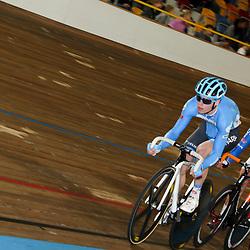 28-12-2014: Wielrennen: NK Baanwielrennen: Apeldoorn Kreder en Stroetinga in actie tijdens de scratch. Ze plaatsen zich beiden voor de finale