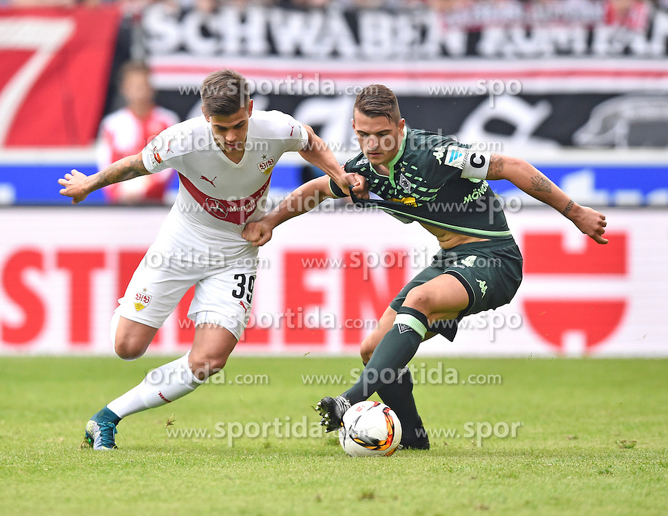 26.09.2015, Mercedes Benz Arena, Stuttgart, GER, 1. FBL, VfB Stuttgart vs Borussia Moenchengladbach, 7. Runde, im Bild Zweikampf, Aktion Jan Kliment VfB Stuttgart (links) gegen Granit Xhaka Borussia Moenchengladbach // during the German Bundesliga 7th round match between VfB Stuttgart and Borussia Moenchengladbach at the Mercedes Benz Arena in Stuttgart, Germany on 2015/09/26. EXPA Pictures &copy; 2015, PhotoCredit: EXPA/ Eibner-Pressefoto/ Weber<br /> <br /> *****ATTENTION - OUT of GER*****