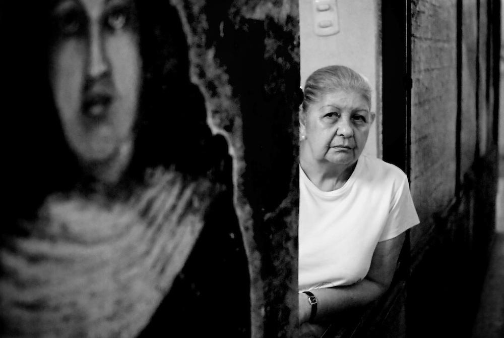 APUNTES SOBRE MI VIDA: LA PASTORA I - 2009/10<br /> Photography by Aaron Sosa<br /> Mercado de La Pastora.<br /> La Pastora, Caracas - Venezuela 2009<br /> (Copyright &copy; Aaron Sosa)