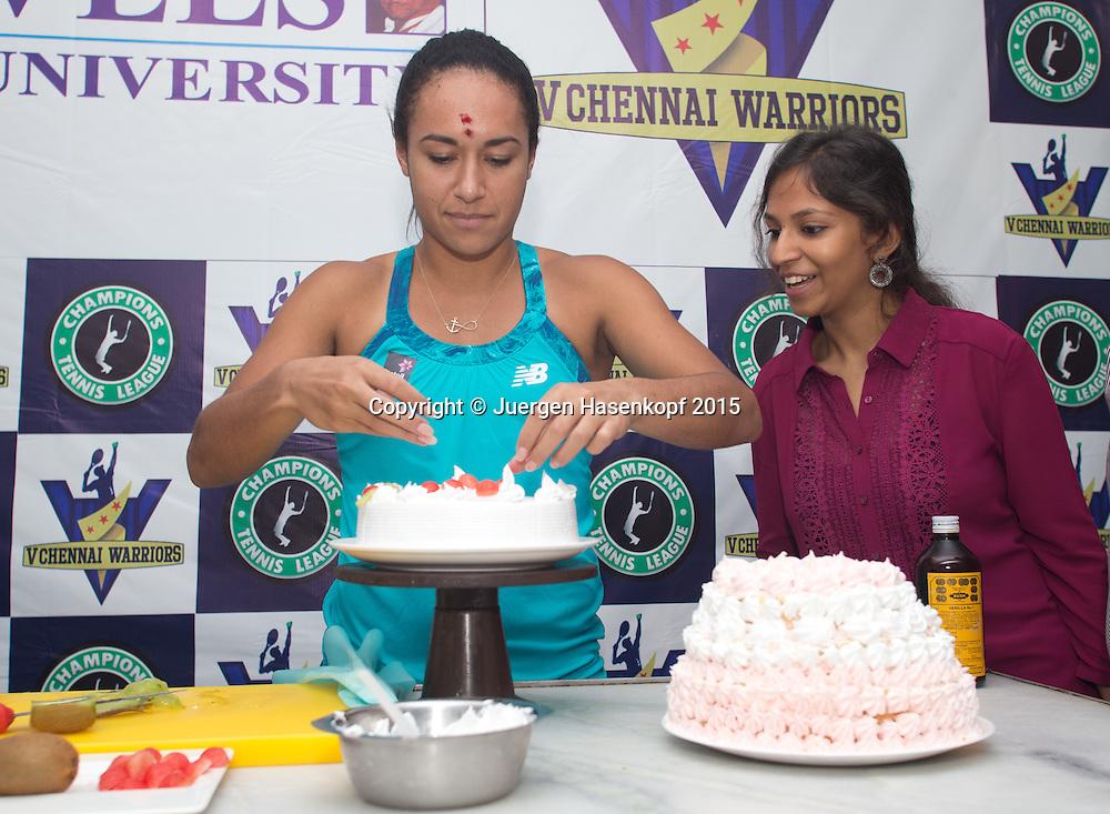 Champions Tennis League 2015, Chennai Heather Watson (GBR) dekoriert eine Torte  im Kochstudio,<br /> <br /> Tennis - Champions Tennis League 2015 -  -   - Chennai - Tamil Nadu - India  - 25 November 2015. <br /> &copy; Juergen Hasenkopf