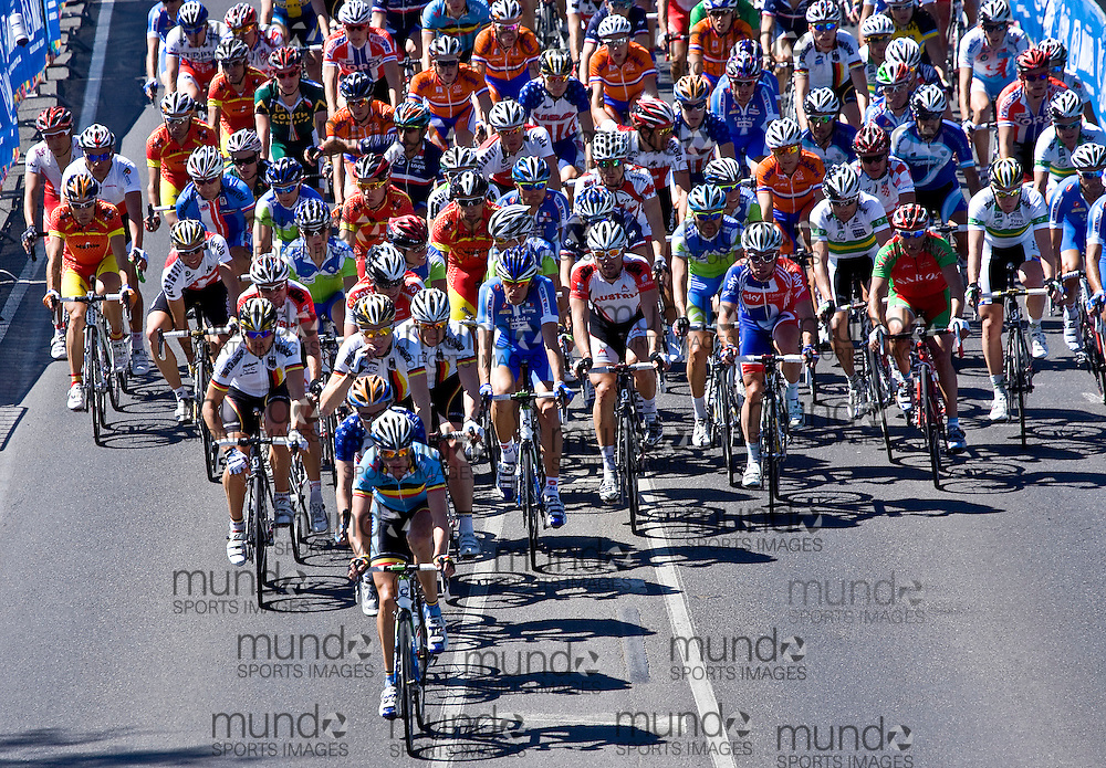 (Geelong, Australia---03 October 2010) The main peloton enters the loop racing in the elite men's road race in the 2010 UCI Road World Championships, held in Geelong, Victoria, Australia. Photograph 2010 copyright Sean Burges / Mundo Sport Images