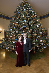 Dec. 2, 2007 - President George W. Bush and first lady Laura Bush stand for a portrait in front of the Christmas tree in the Blue Room of the White House, Monday, December 3, 2007. (Eric Draper/The White House/TNS) (Credit Image: © Eric Draper/TNS/ZUMAPRESS.com)