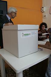 April 30, 2017 - Arzano, Campania/Napoli, Italy - A moment of voting operations in a party circle in Italy of the PD  (Partito Democratico) primary elections for the election of party secretary. (Credit Image: © Salvatore Esposito/Pacific Press via ZUMA Wire)