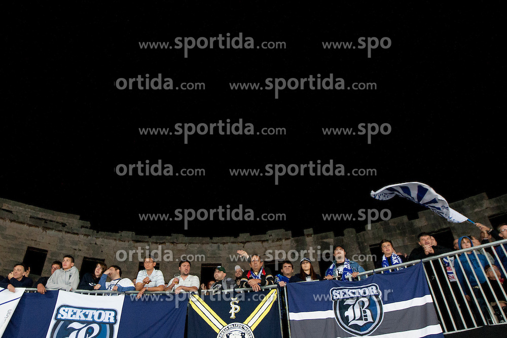 14.09.2012. Pula Arena, Pula, CRO, EBEL, KHL Medvescak Zagreb vs HDD Telemach Olimpija Ljubljana, 03. Runde, in picture fans of KHL Medvescak during the Erste Bank Icehockey League 3rd Round match between KHL Medvescak Zagreb and HDD Telemach Olimpija Ljubljana at the Pula Arena, Pula, Croatia on 2012/09/14. (Photo By Urban Urbanc / Sportida)