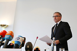 26.03.2015, Leonardo Hotel, Koeln, GER, Germanwings Flug 4U9525, Flugzeugabsturz in Frankreich, Pressekonferenz Deutsche Lufthansa nach einer ersten Auswertung des Voicerecorders, im Bild Carsten Spohr (Vorstandsvorsitzender der Deutsche Lufthansa AG, CEO) // during a press conference of German Lufthansa to the Crash of Germanwings flight 4U 9525 after a first evaluation of the flight data recorder. An Airbus A320 of Germanwings has crashed on March 24, 2015 in Southern French Alps on its flight from Barcelona Leonardo Hotel in Koeln, Germany on 2015/03/26. EXPA Pictures © 2015, PhotoCredit: EXPA/ Eibner-Pressefoto/ Schüler<br /> <br /> *****ATTENTION - OUT of GER*****