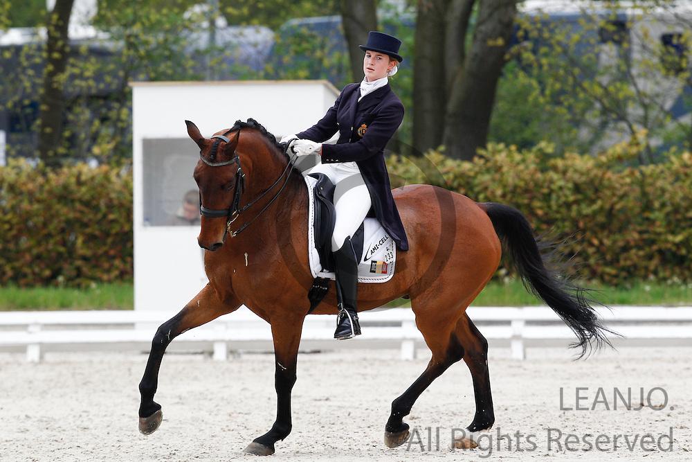 Tahnee Waelkens - Sandiegobese<br /> CDIYJP Roosendaal 2012<br /> &copy; DigiShots