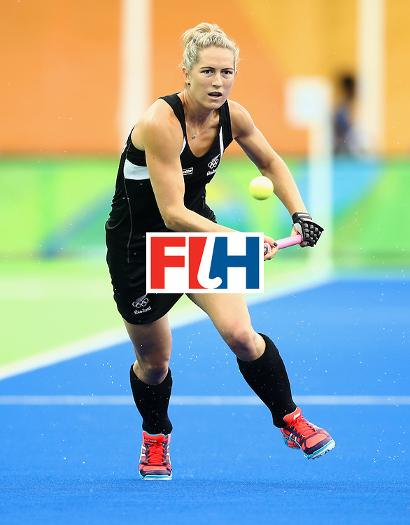 RIO DE JANEIRO, BRAZIL - AUGUST 10:  Stacey Michelsen of New Zealand chases the ball during the Women's Pool A Match between Spain and New Zealand on Day 5 of the Rio 2016 Olympic Games at the Olympic Hockey Centre on August 10, 2016 in Rio de Janeiro, Brazil.  (Photo by Mark Kolbe/Getty Images)