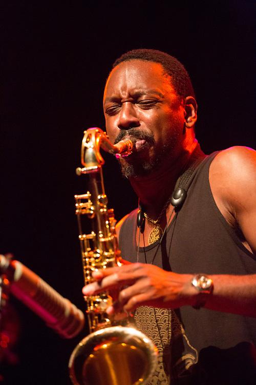 Frankfurt   Hessen   Deutschland   29.10.2017: Das 48. Deutsche Jazzfestival Frankfurt 2017<br /> <br /> hier: Shabaka &amp; The Ancestors<br /> <br /> Shabaka Hutchings   Tenor Saxophone<br /> Mthunzi Mvubu   Alto Saxophone<br /> Siyabonga Mthembu   Vocals<br /> Ariel Zamonsky   Bass<br /> Gontse Makhene   Percussion<br /> Tumi Mogorosi   Drums<br /> <br /> <br />  <br /> Sascha Rheker<br /> 20171029<br /> <br /> [Inhaltsveraendernde Manipulation des Fotos nur nach ausdruecklicher Genehmigung des Fotografen. Vereinbarungen ueber Abtretung von Persoenlichkeitsrechten/Model Release der abgebildeten Person/Personen liegt/liegen nicht vor.]