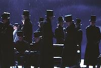"Royal Opera in Donizetti's ""Lucia di Lammermoor""<br /> <br /> Lucia: Andrea Rost<br /> Edgardo: Marcelo Alvarez<br /> Enrico Ashton: Anthony Michaels-Moore<br /> Lord Arturo Bucklaw: Peter Auty<br /> Alisa: Ekaterina Gubanova<br /> Normando: Andrew Kennedy<br /> <br /> Director: Christof Loy<br /> Designs: Herbert Murauer<br /> Lighting: Rheinhard Traub"
