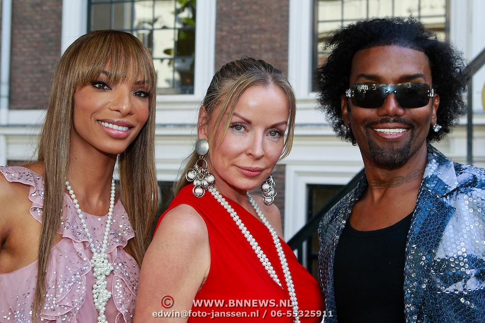 NLD/Amsterdam/20110525 - Presentatie The Luery List #1, Eve Lauren, Prinses Inge en Norwood Young