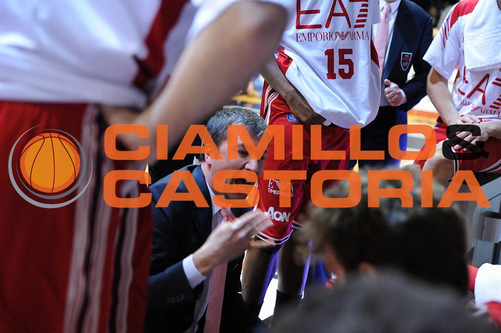 DESCRIZIONE : Caserta Lega A 2014-15 Pasta Reggia Caserta EA7 Emporio Armani Milano<br /> GIOCATORE : Luca Banchi<br /> CATEGORIA : coach, allenatore<br /> SQUADRA : EA7 Emporio Armani Milano<br /> EVENTO : Campionato Lega A 2014-2015<br /> GARA : Pasta Reggia Caserta EA7 Emporio Armani Milano<br /> DATA : 06/04/2015<br /> SPORT : Pallacanestro <br /> AUTORE : Agenzia Ciamillo-Castoria/G.Masi<br /> Galleria : Lega Basket A 2014-2015<br /> Fotonotizia : Caserta Lega A 2014-15 Pasta Reggia Caserta EA7 Emporio Armani Milano