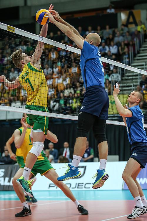 Antti Siltala blocks a Harrison Peakock smash