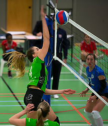 19-01-2019 NED: Pharmafilter US - Dros-Alterno, Amsterdam<br /> Round 15 of Eredivisie volleyball. Alterno win 3-0 (17-25 16-25 20-25) of US / Laura Overwater #4 of Alterno