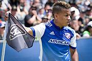 FC Dallas midfielder Michael Barrios (21) prepares to corner kick during a MLS soccer match in Los Angeles, Saturday, May 5, 2018. (Eddie Ruvalcaba/Image of Sport)