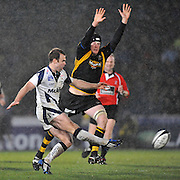 Wycombe, GREAT BRITAIN,  Sales' Charlie HODGSON, kicking clear as Wasps', Richard BIRKETT, attempts to block, during the Guinness Premiership match,  London Wasps vs Sale Sharks at Adam's Park Stadium, Bucks, on Sun 23.11.2008. [Photo, Peter Spurrier/Intersport-images]