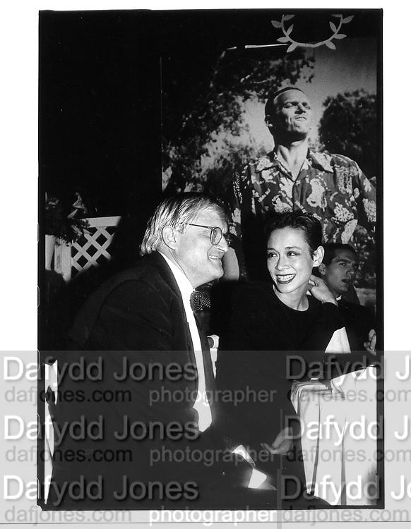 David Hockney and Tina Chow (photo backdrop by Jean Howard)© Copyright Photograph by Dafydd Jones 66 Stockwell Park Rd. London SW9 0DA Tel 020 7733 0108 www.dafjones.com
